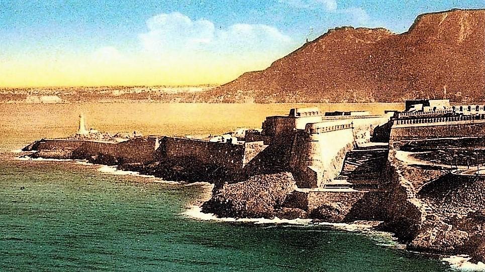 1930 rade de Mrs-el-kébir  fort